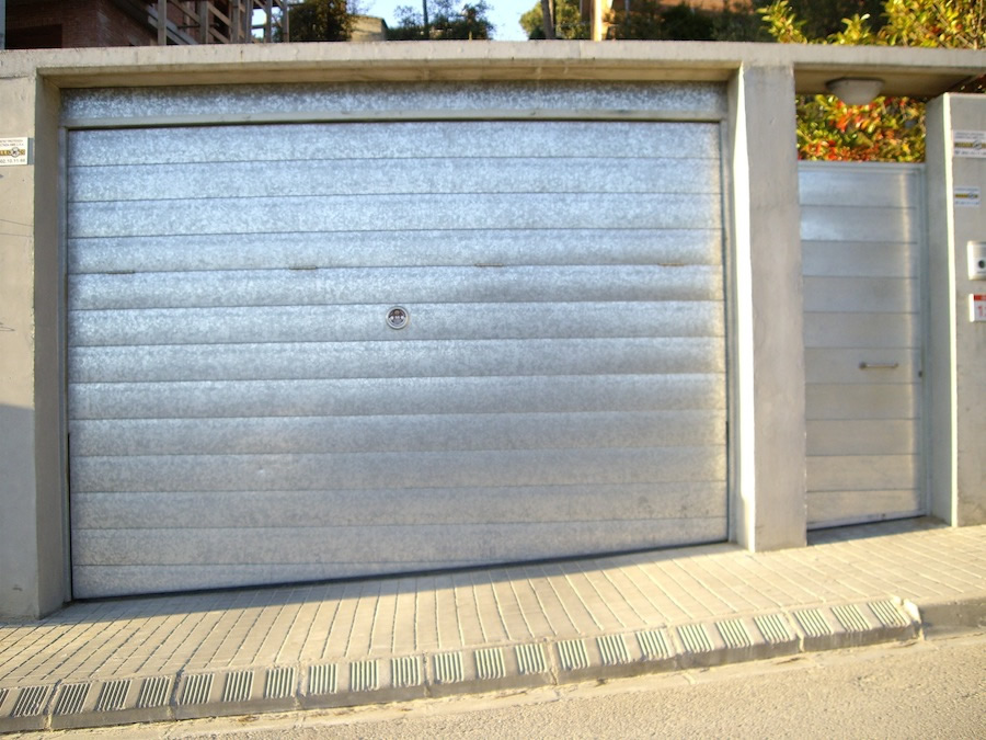 Pormatic 2012 s l puerta de garaje basculante - Puerta basculante garaje ...