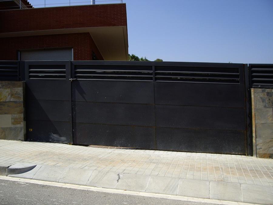 PORMATIC 2012 S.L. :: Puertas de parking corredera inferior - photo#12